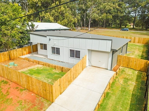 34 Mountain View Cres Russell Island, QLD 4184