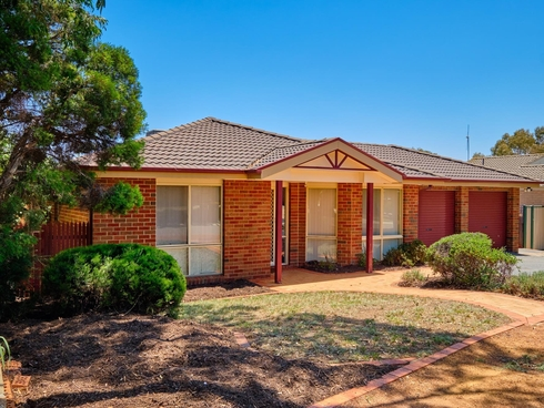 13 Goodhart Crescent Dunlop, ACT 2615