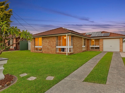 15 Finch Place Bateau Bay, NSW 2261