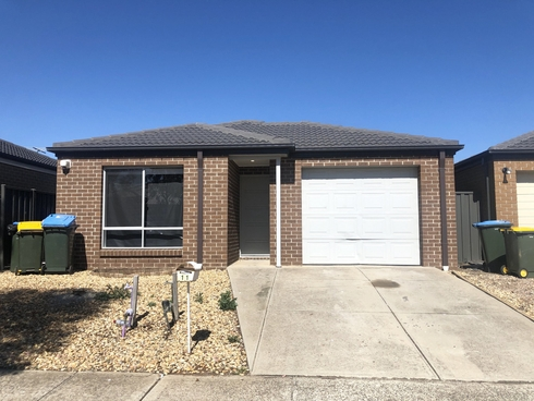 11 Grovedale Way Manor Lakes, VIC 3024