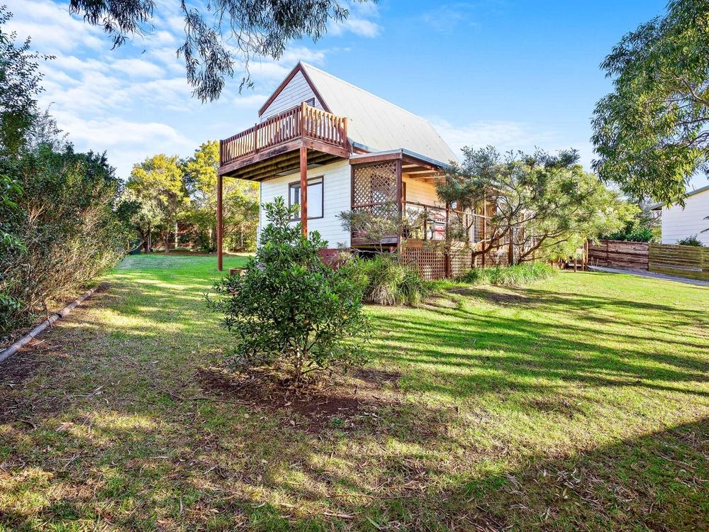 12 Jennifer Place Moruya Heads, NSW 2537