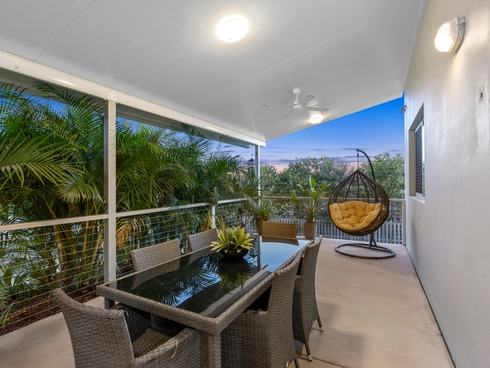 29 Angourie Crescent Pacific Pines, QLD 4211