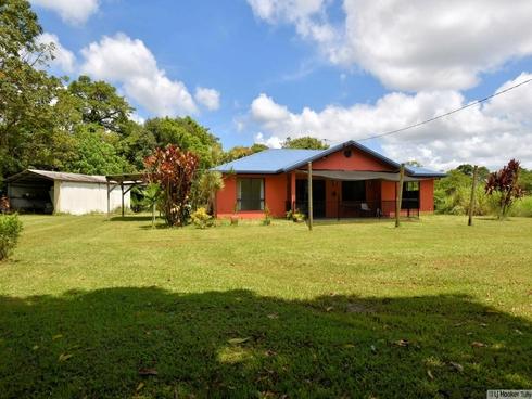 1367 Old Tully Road Maadi, QLD 4855
