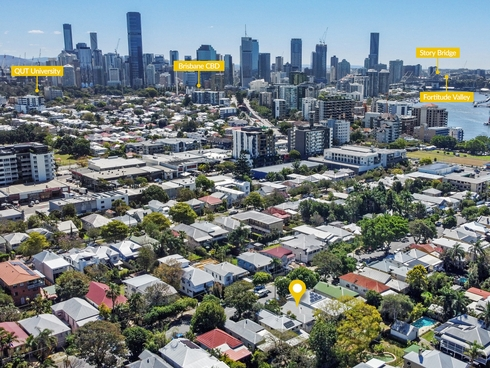 31 Latrobe Street East Brisbane, QLD 4169