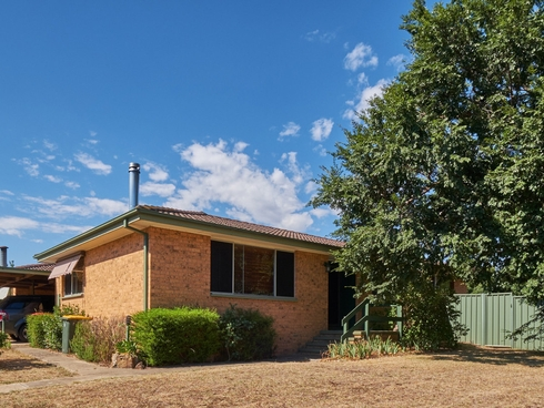 2 Tebbutt Place Charnwood, ACT 2615