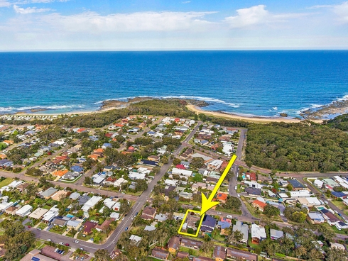 73 Lakin Street Bateau Bay, NSW 2261