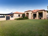87 Monterey Keys Drive Helensvale, QLD 4212