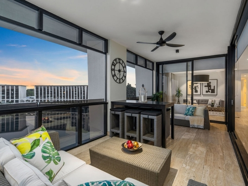 502e Penthouse Marina Drive Benowa, QLD 4217