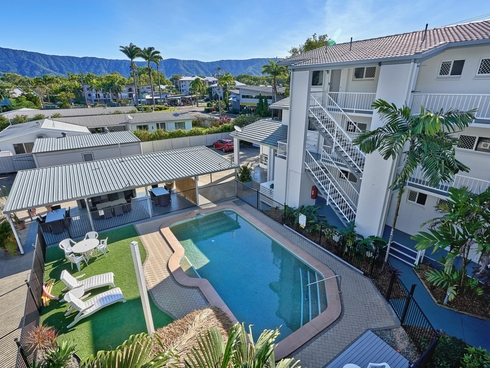 Two Bedroom Units/57 Moore Street Trinity Beach, QLD 4879