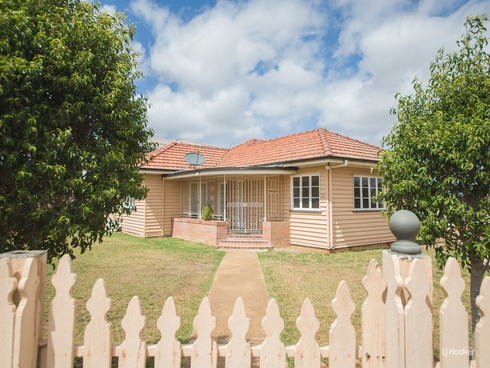 2 Agnes Street The Range, QLD 4700