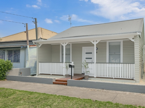 10 McIsaac Street Tighes Hill, NSW 2297