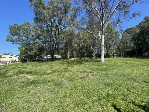 13 Castle Dve Russell Island, QLD 4184
