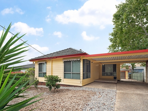 27 Acacia Avenue Waratah West, NSW 2298