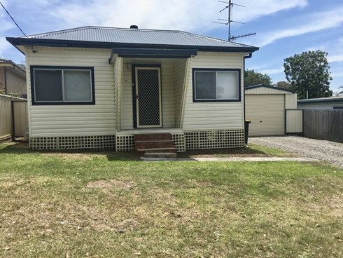 43 Wahroonga Road Kanwal, NSW 2259