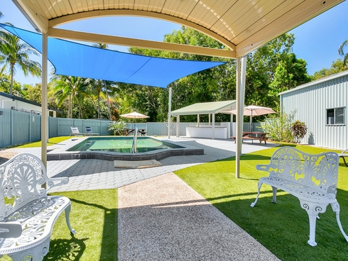 35-41 Upolu Esplanade Clifton Beach, QLD 4879