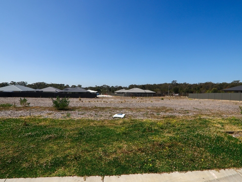 25 Bexhill Avenue Sussex Inlet, NSW 2540
