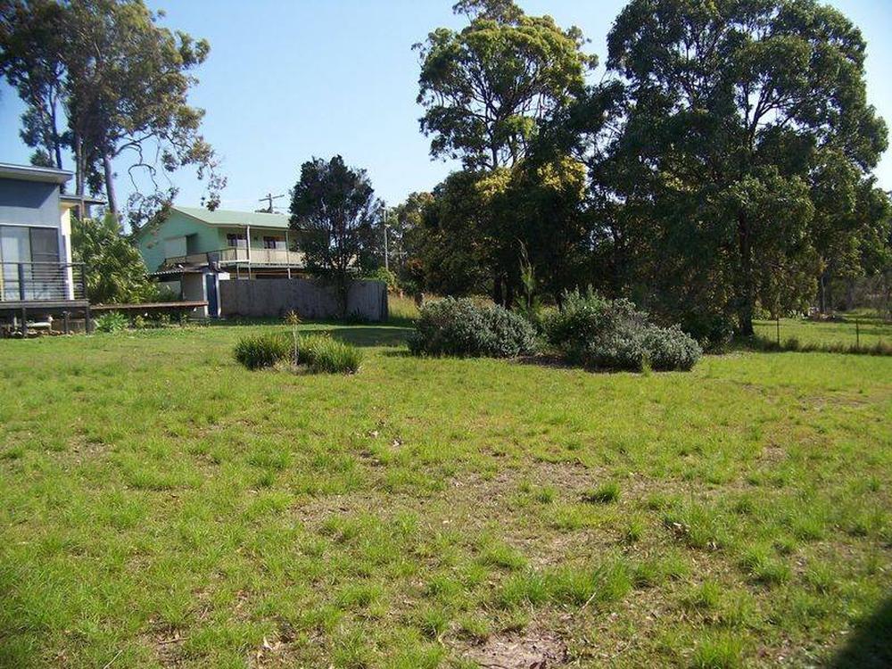 25 Oomool Street Macleay Island, QLD 4184