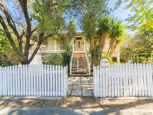 4 Davis Street The Range, QLD 4700