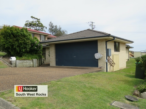 32 Peter Mark Circuit South West Rocks, NSW 2431