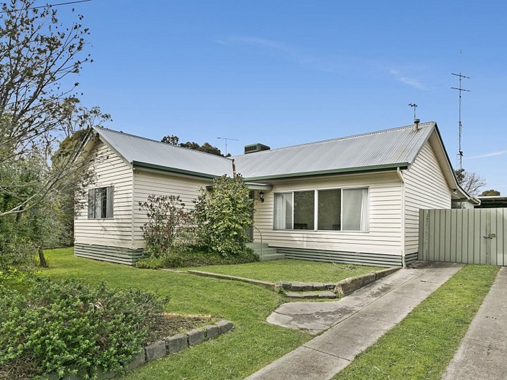 74 Mollison Street Broadford, VIC 3658