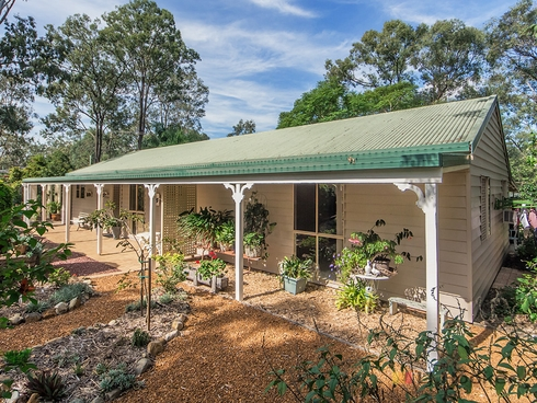 2712 FOREST HILL FERNVALE ROAD Lowood, QLD 4311
