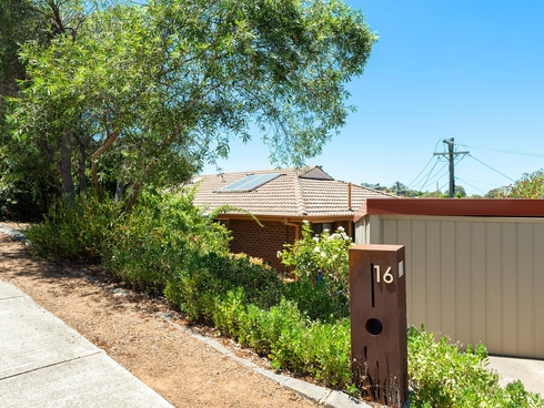 16 Jackie Howe Crescent Macarthur, ACT 2904