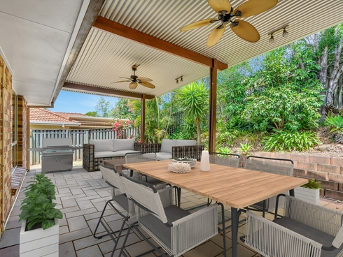 97 Pacific Pines Boulevard Pacific Pines, QLD 4211