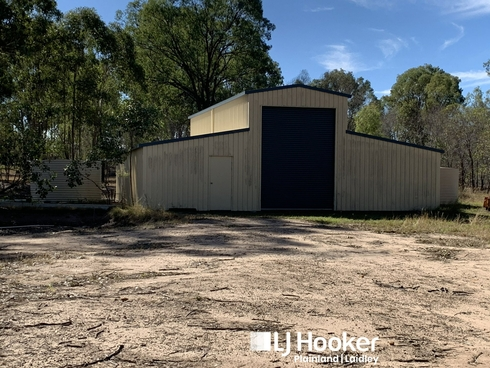 8 Naomi Rd Lockyer Waters, QLD 4311