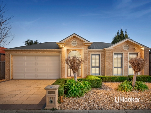 97 Shaftsbury Boulevard Point Cook, VIC 3030