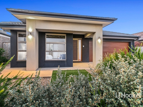 11 Coastwatch Road Point Cook, VIC 3030