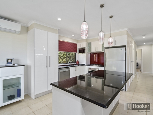 11 Wilmot Place Helensvale, QLD 4212