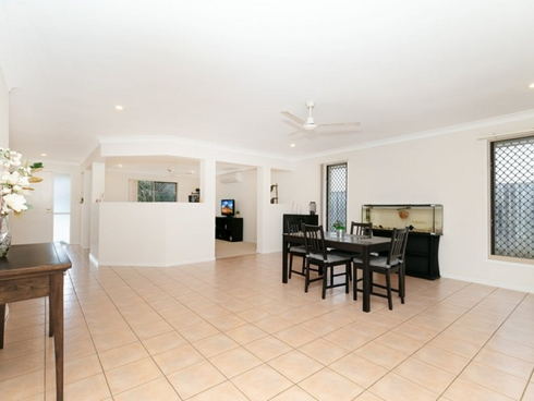 14 Brace Close Bray Park, QLD 4500