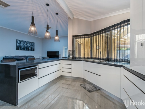 71 Southacre Drive Canning Vale, WA 6155