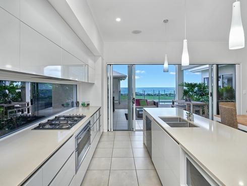 98 Cinderella Street Machans Beach, QLD 4878