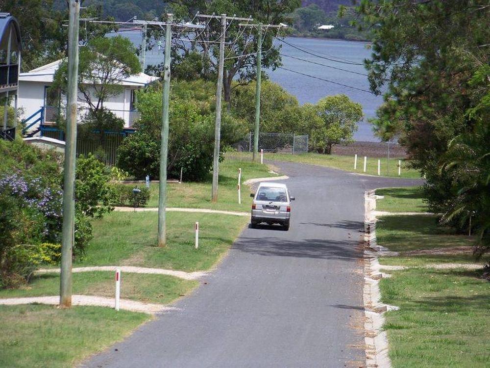 15 Paula Parade Lamb Island, QLD 4184