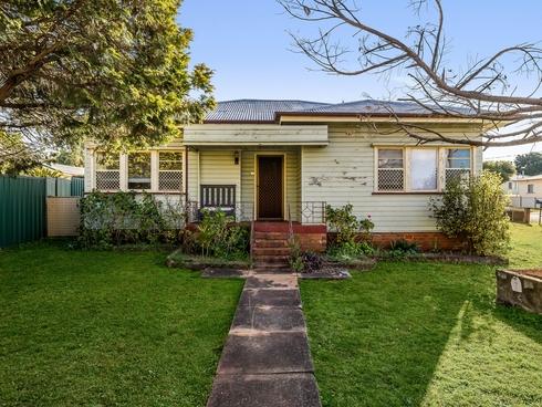 2 Violet Street Harristown, QLD 4350