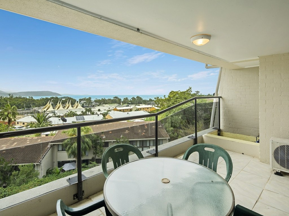 Unit 117/2-4 Eshelby Drive Cannonvale, QLD 4802