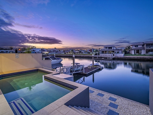 2/19 South Quay Drive Biggera Waters, QLD 4216