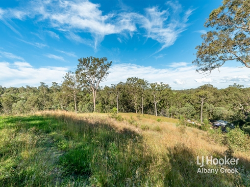 8 Rocheadon Drive Eatons Hill, QLD 4037