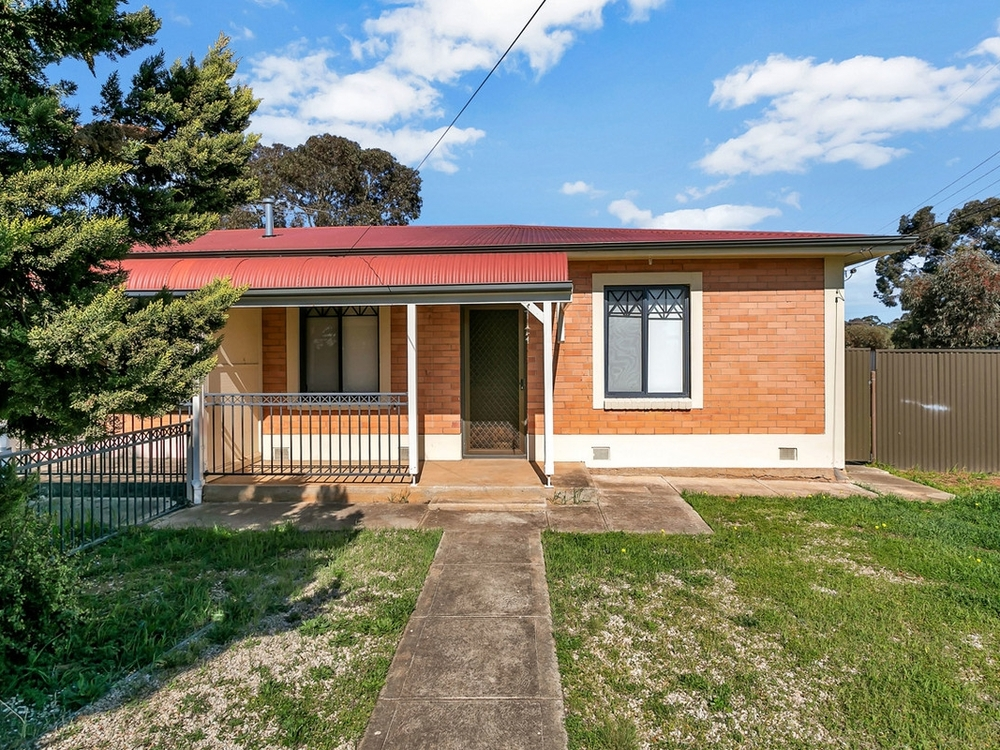 28 Harrow Crescent Salisbury North, SA 5108