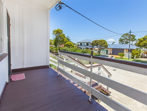 2/2 Short Street Woody Point, QLD 4019