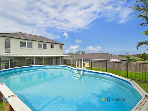 2 Murchison Close Blue Haven, NSW 2262