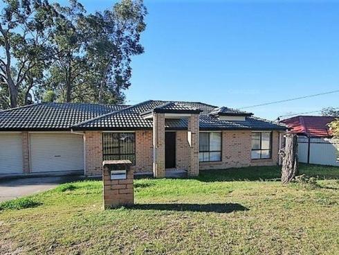 67 Radiata Street Hillcrest, QLD 4118