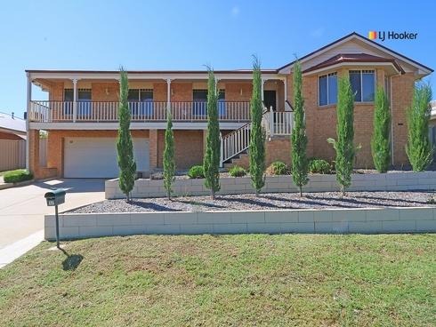 17 Kaloona Drive Bourkelands, NSW 2650