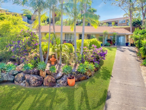 5 Merewether Court Highland Park, QLD 4211