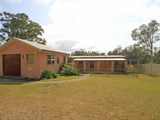 90 River Road Sussex Inlet , NSW, 2540