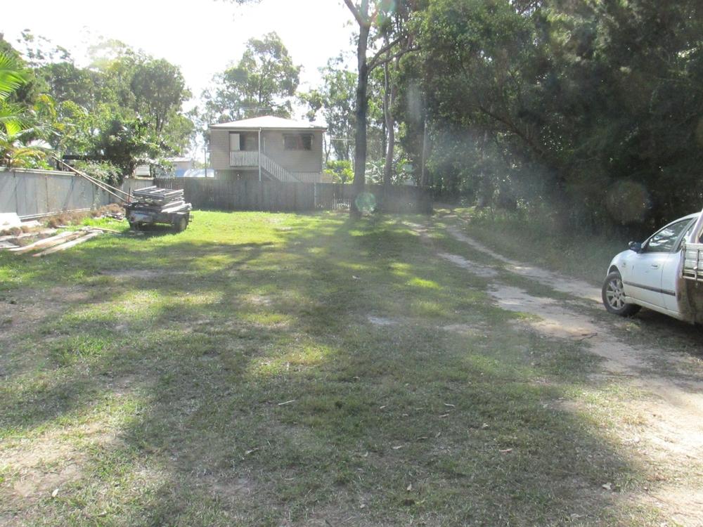 11 Dinjerra Street Macleay Island, QLD 4184