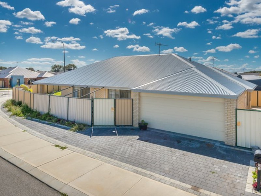 32 Blackwood Meander Yanchep, WA 6035
