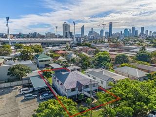 19 Lisburn Street East Brisbane , QLD, 4169