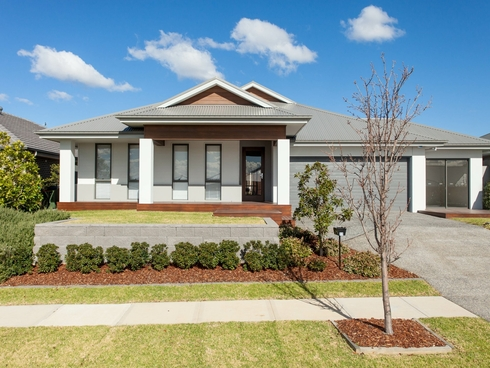 11 Dunnett Avenue North Rothbury, NSW 2335